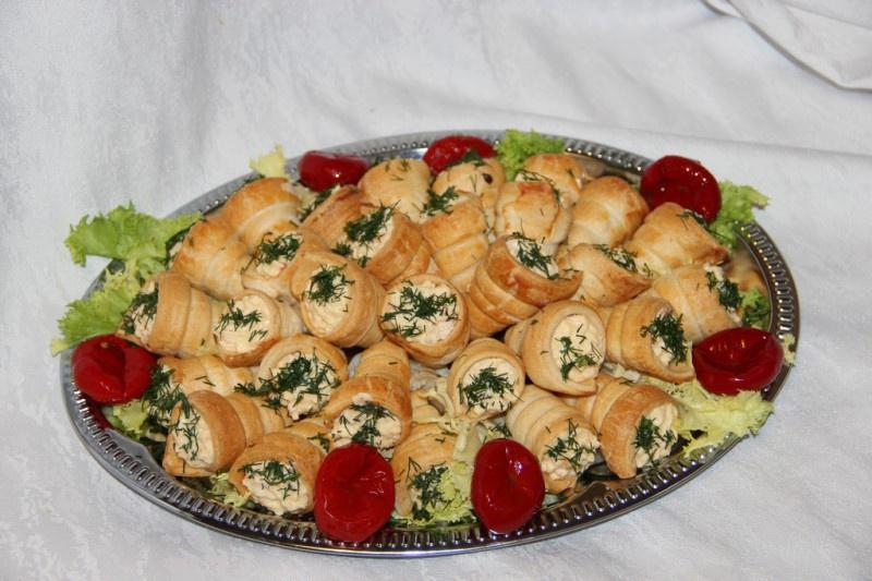 Волованы с сырным салатом